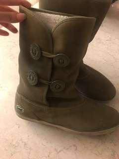 🚚 Lacoste靴子
