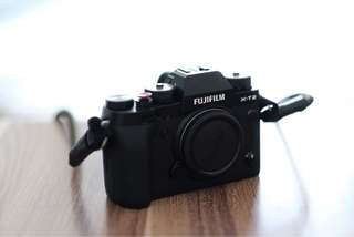 WTS fujifilm X-T2 / XT2 / XT-2 body only black Focus nusantara