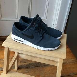 Nike SB Stefan Janoski Max Suede Squadron/Navy Blue Shoes – Size 10 US