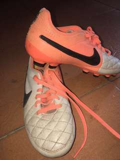 Nike Tempo Soccer Boots