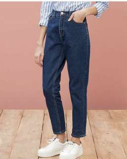 Mom jeans size 29