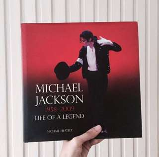 Michael Heatley's Michael Jackson 1958-2009 Life Of A Legend