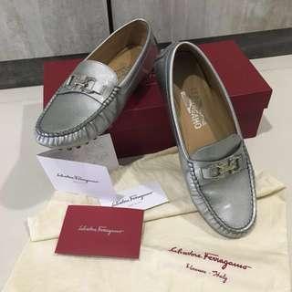 Salvatore Ferragamo Loafers in Shell Grey/Silver
