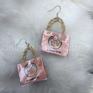 Anting miniatur the body shop
