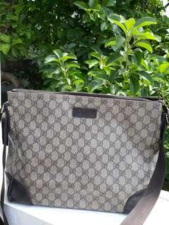 Preloved Gucci Sling Bag