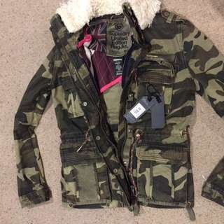 Reduced Super Dry Jacket new with tags small
