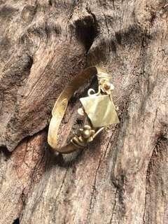 Antique ring adjustable size