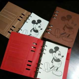 Mickey Mouse 可換頁記事薄。  diary Notebook Schedule  Size 19X12.5x2.5 cm  Mickey Mouse 可換頁記事薄。diary Notebook Schedule