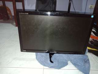 SALE!! Samsung LCD monitor LED (orig price is 4,800)