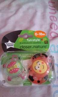 Tommee tippee orthodonic soothers