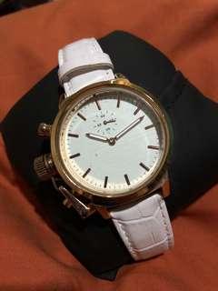 Zalora white chrono watch