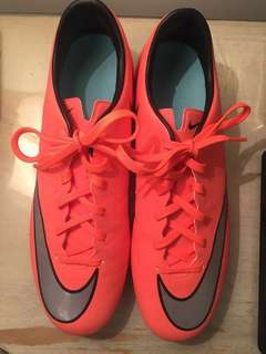 Nike Soccer Cleats Mercurial-  Size 8