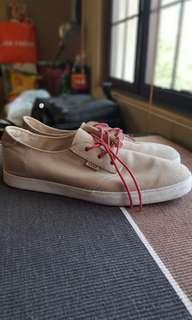 """Reef """"Landis"""" Beige Sneakers"""