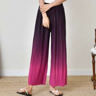 PO: Gradient pleated pants