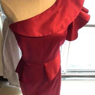 🚚 (含運)全新婚禮宴會緞面斜肩桃紅晚禮服