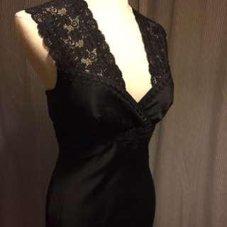 🚚 近全新蕾絲黑色緞面長禮服
