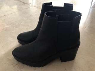 H n M black boots