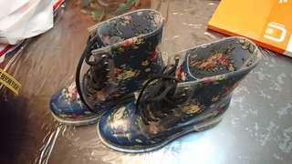 Gummie Boots Floral Print Rain Boots