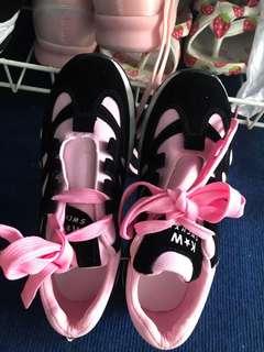36尺码现货女生跑鞋运动鞋一双