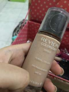 Foundation Revlon 240 medium beige