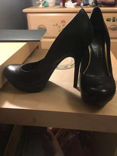 Jessica Simpson Black Pump Heels