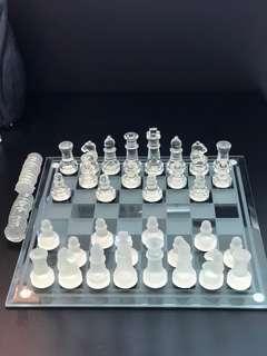 """高級玻璃國際象棋及玻璃棋盤全套尺寸9.5""""x9.5""""Whole set glass ch"""