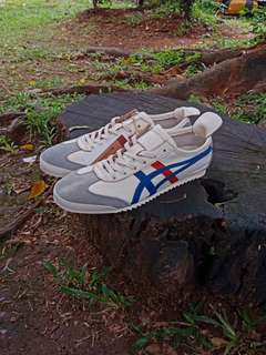 ONITSUKA TIGER MEXICO 66 DELUXE CREAM BLUE RED UNISEX MADE IN JAPAN