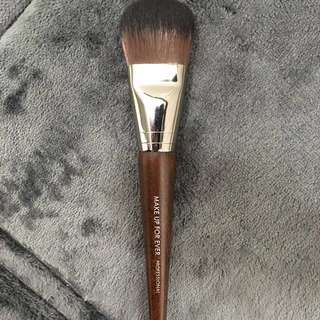 *REDUCED* Make Up For Ever 108 Foundation Brush