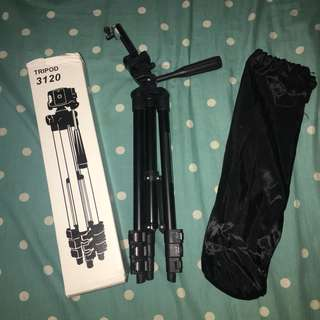 Tripod for camera and hp