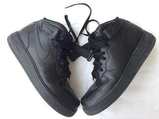 Nike Air Force 1 Mid Triple Black