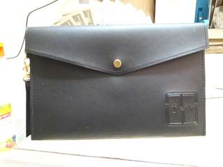 Envelope leather pounch Black