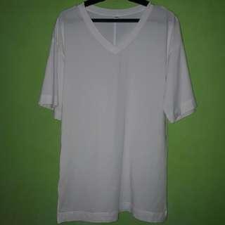 Uniqlo White Tshirt w/ Side Slits