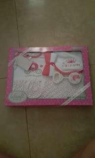 Baby gift sets of 5pcs n 7ocs