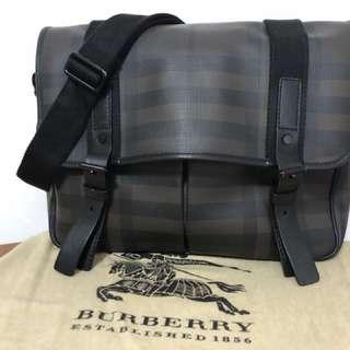 Burberry 斜咩經典格紋袋