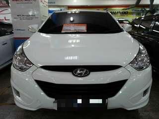 Hyundai Tucson tahun 2012 CC 2.0 putih metalik matic siap pakai