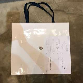 Moncler 大紙袋