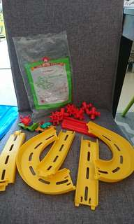 Mcdonald hapy meal toys - zip skaters yr2000