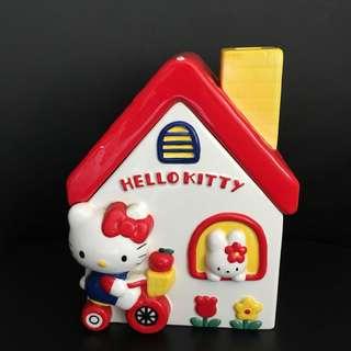 Hello Kitty 瓷屋 內可存物
