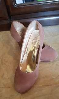 Heels (Belen)