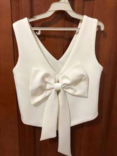 Back Ribbon White Top ( import HK )
