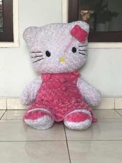 Boneka Hello Kitty Besar