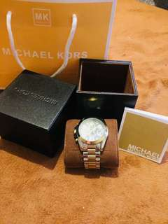 MK watch Complete with paper bag