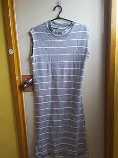 PRE-LOVED --- Dress