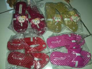 Sendal hello kitty & pita