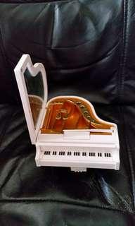 鋼琴形音樂盒