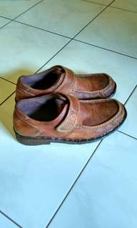 Sepatu Pria Buccheri Adventure