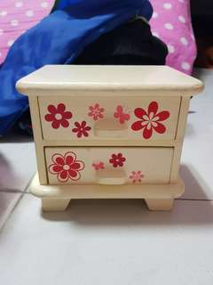 Little accessories box