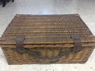 Rattan Basket dining set