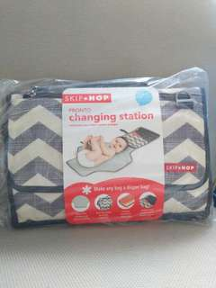 New Skiphop Pronto Changing Station