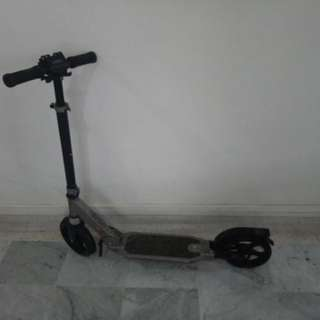 RELOCATION Sale: Oxelo Scooter